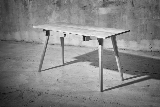staked_worktable_ADB-L1000157A