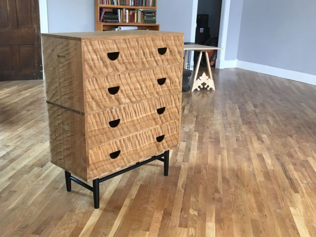 curly_oak_chest2_IMG_5509