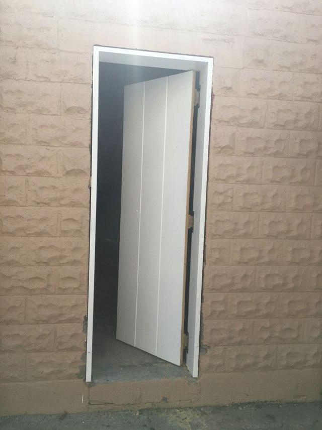 shop_door_exterior_IMG_5759