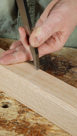 Fig. 4.4. This is a technique that if we heard it somewhere, we have forgotten where. It works very well. No ruler, no fiddling with the gauge up against the chisel's sharp edge. Mark the timber with the chisel, then put the chisel down. Very safe, and simple.