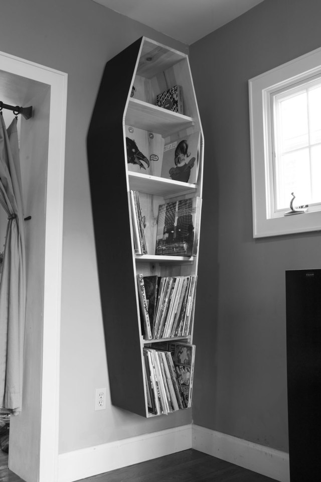 adb_21_coffin_bookshelves_img_2237