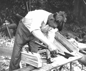 FIG. 129. Splitting boards for sowing tray. Avinurme, Ulvi village. Photograph by author, 1947. Photo library 1089:102.