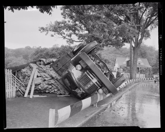 Malden-auto-accident-lumber-truck-1951-01
