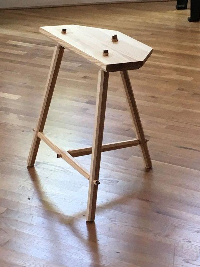pine_stool_IMG_2608